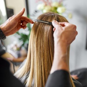 cortar el pelo antes de teñir