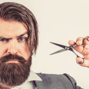 cómo dejarse el pelo largo hombre